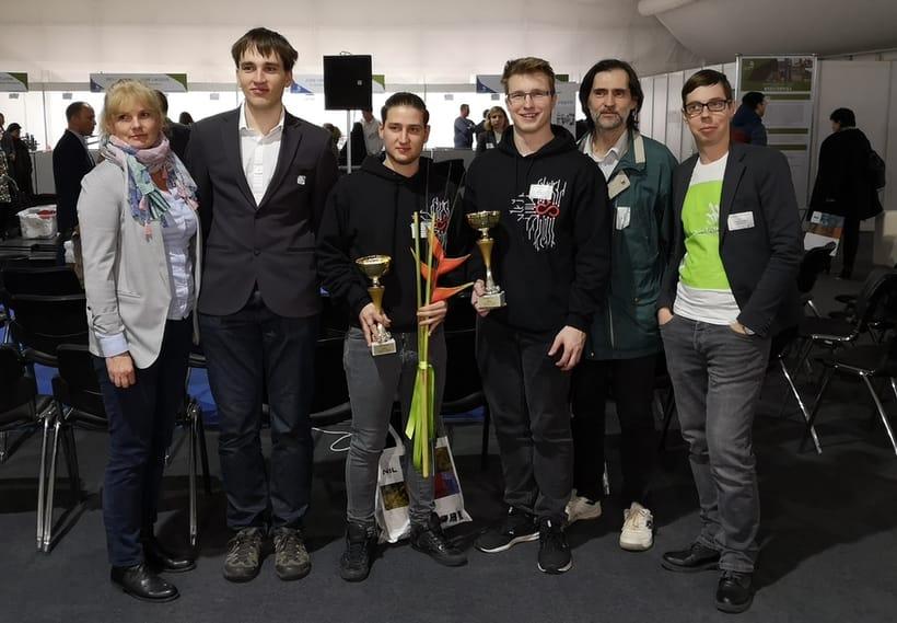 Skupinska slika zamgovalne ekipe Vegove